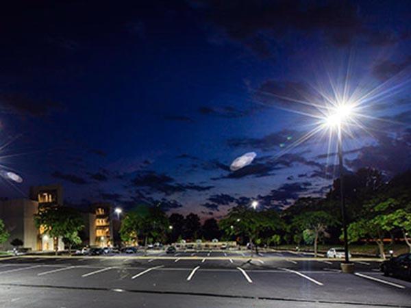 installazione-illuminazione-per-parcheggi-italia