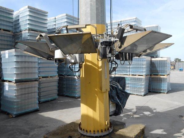 torri-faro-con-scale-e-piattaforme-fisse
