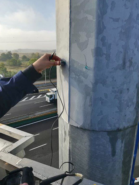 manutenzione-plinti-di-fondazione-per-torri-faro
